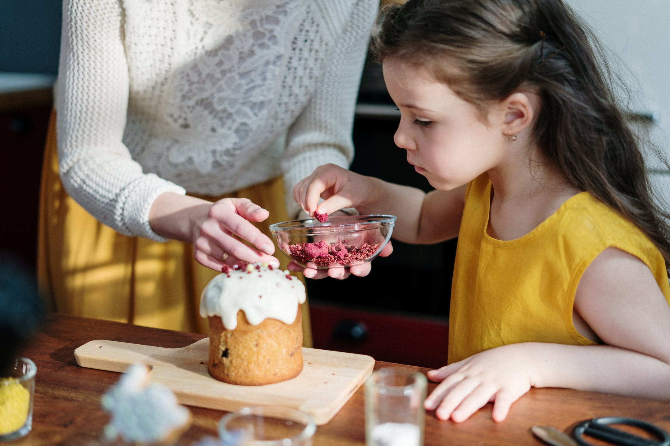 Have fun at home by making delicious Cupcakes!